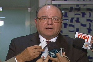 (Foto: TV Câmara/ Agência Câmara Notícias) Cândido Vaccarezza: salários melhores levarão à contratação de melhores policiais.