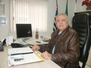 O presidente da APMDFESP, Elcio Inocente, convida a todos para comemorar 21 anos da entidade