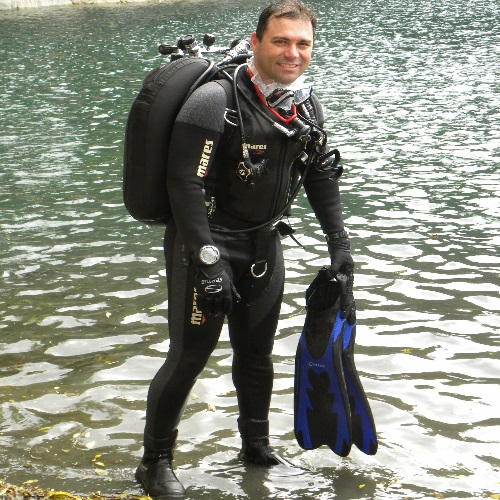 Sargento Nogueira dá cursos de mergulho para associados  da APMDFESP e dependentes que moram nessa região