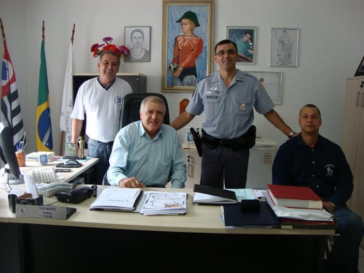 Edison de Oliveira (representante interino da Zona Leste), Elcio Inocente (presidente da APMDFESP), Sgto. Benhossi e Rogério Praxedes Marcolino (representante da Zona Oeste)