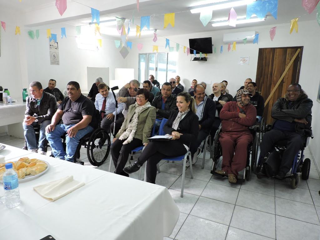 Diretores e representantes das regionais estiveram presentes na assembleia