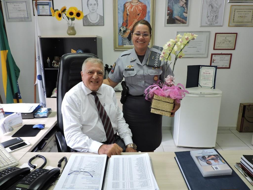 Chefe do Centro de Apoio Social da Policia Militar, Tenente-Coronel Silvana, visita sede da APMDFESP