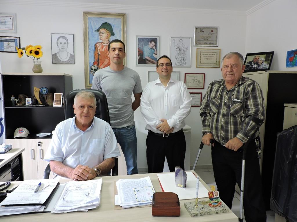 Elcio Inocente (presidente da APMDFESP), Clemente Alves Pereira, Fernando Capano (responsável pelo Depto. Jurídico da APMDFESP)  e Romildo Pytel (diretor do Depto. Jurídico)