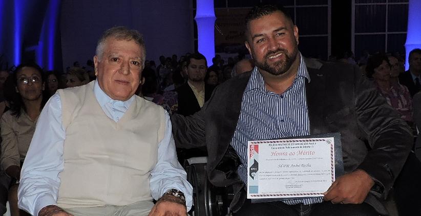 O presidente Elcio Inocente esteve presente na homenagem ao  Soldado PM André Rocha