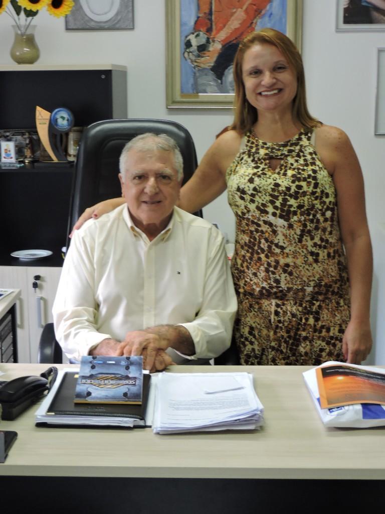 (Crédito: Divulgação/APMDFESP)  Fabíola Lupo como presidente Elcio Inocente