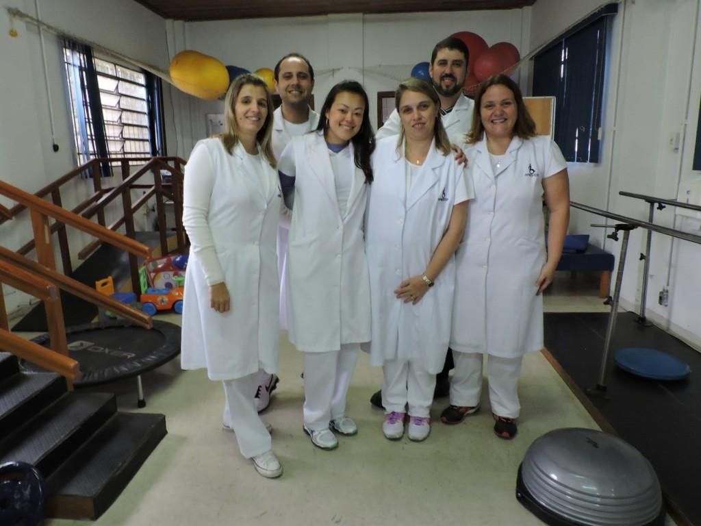 Equipe de fisioterapeutas da APMDFESP