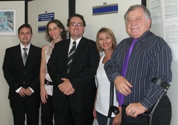 Fernando Capano (ao centro) com parte da equipe do Departamento Jurídico cujo diretor é Romildo Pytel (à dir.)