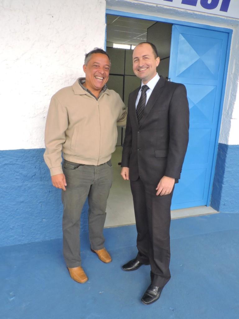 Coronel PM Cauzzo e professor Edvar