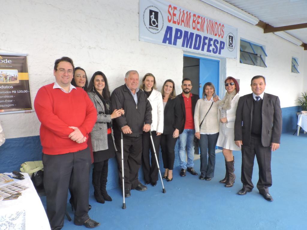 Fernando Capano (à esq.) responsável pelo Departamento Jurídico da APMDFESP,  Romildo Pytel (diretor da área, ao centro),