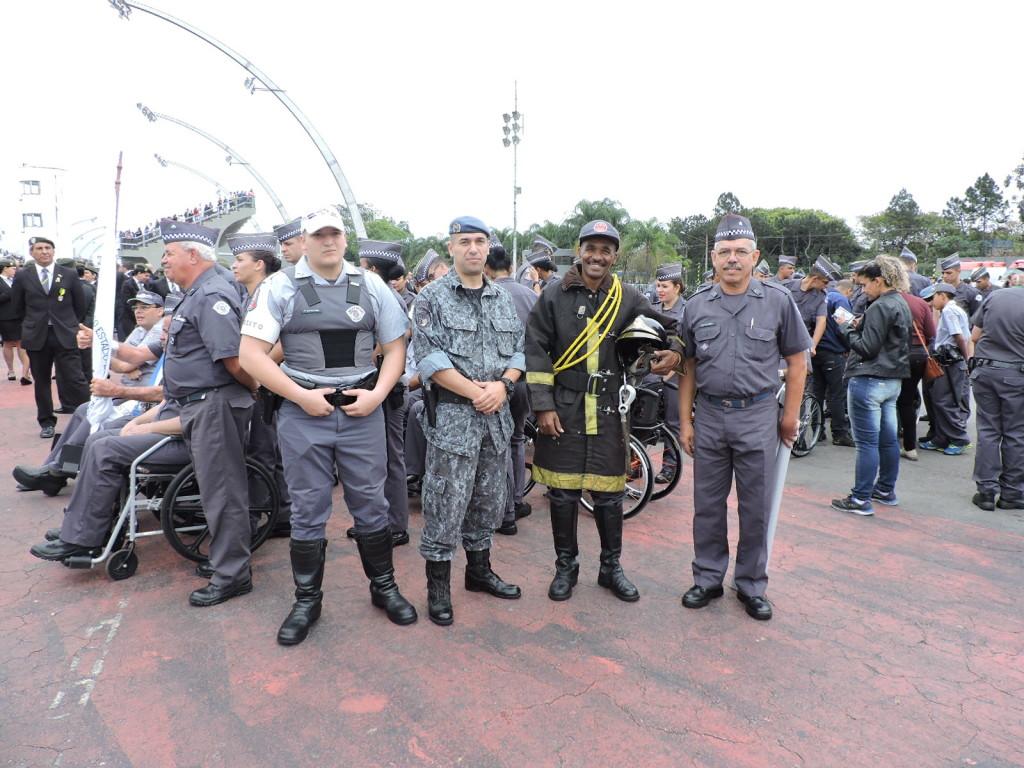 Antes do desfile os participantes se encontraram na concentração
