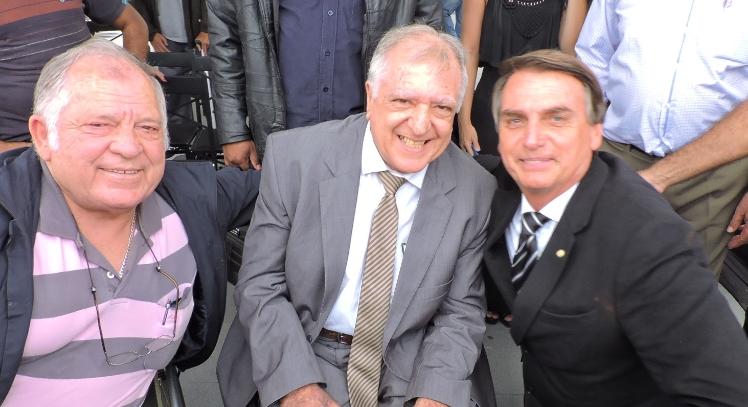 O deputado federal Jair Bolsonaro com Elcio Inocente e Romildo Pytel